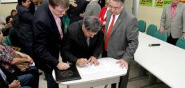Prefeito participa de assinatura de ordem de serviço para construção de escola estadual em Araquari