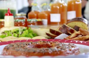 Araquari começa a escolher os pratos para a 12ª Festa do Maracujá